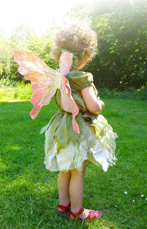 karneval kostüm tinkerbell faschingskostume kinder selber machen tinkerbell gr 252 n fee karneval tinkerbell dress diy