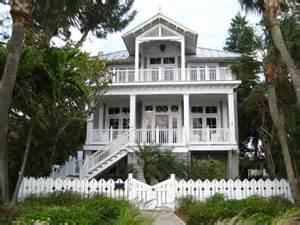 Beach House Colors Exterior