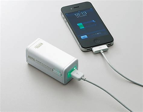 iphone charger elecom battery charger 4 aa 1 iphone battery technabob
