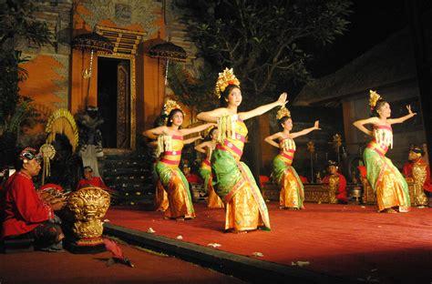 ubud bali    eat pray love indonesia