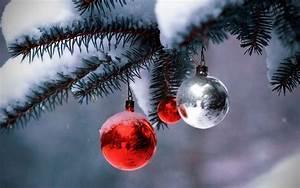 Christmas Season Wallpaper - WallpaperSafari