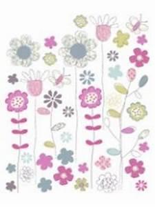 idees deco et stickers chambre d39enfant decorer les murs With déco chambre bébé pas cher avec fleur a faire livrer