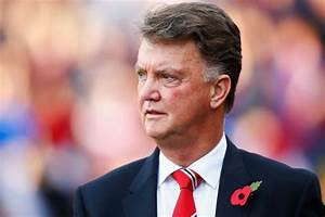 Louis van Gaal delivers bad news to Manchester United fans ...