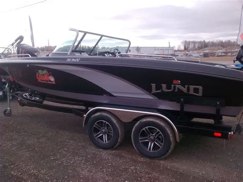 Lund Boats Gl by Lund Boat Co 202 Pro V Gl 2015 New Boat For Sale In