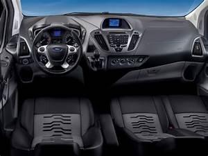 Nouveau Ford Custom : tourneo custom passo lungo tetto alto da oggi un nuovo alleato del trasporto persone ~ Medecine-chirurgie-esthetiques.com Avis de Voitures