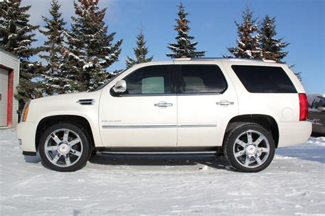 Escalade Luxury Suv Cadillac Luxury Cars Suvs Sedans