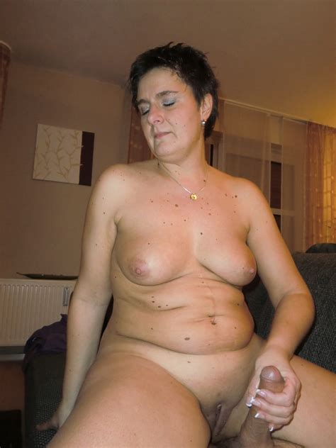 horny mature women at