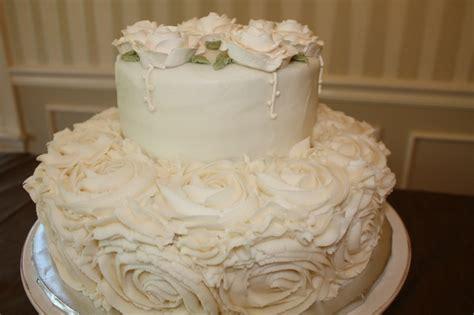 Shabby Chic Victorian wedding cake   Lala Inspirations   Pinterest   Victorian wedding cakes