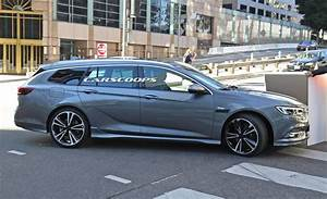 Opel Insignia 2017 : 2017 opel insignia sport tourer also spotted without any camo carscoops ~ Medecine-chirurgie-esthetiques.com Avis de Voitures