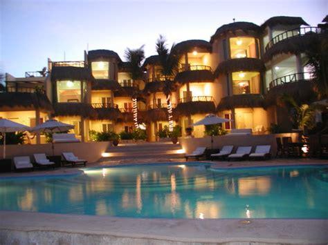 playa la media luna hotel isla mujeres mexico hotel