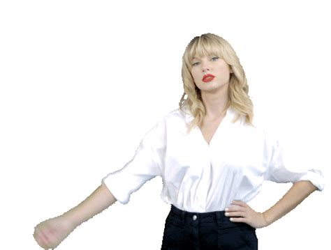 Taylor Swift Reactions Working Out GIF ...