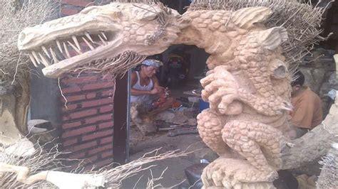 menyulap limbah akar bambu menjadi kerajinan patung kaskus