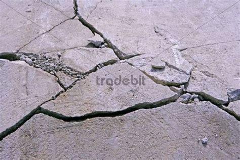 beton risse verharzen risse in beton fundament runterladen photos bilder