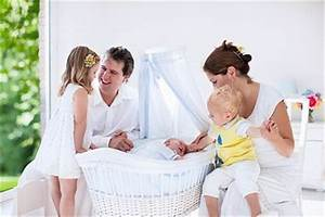 Baby Wiege Holz : baby wiege aus holz ~ Frokenaadalensverden.com Haus und Dekorationen