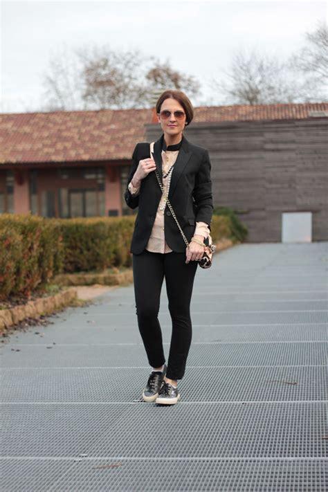 Superga sneakers per un outfit sportivo (Sporty chic - Spring)