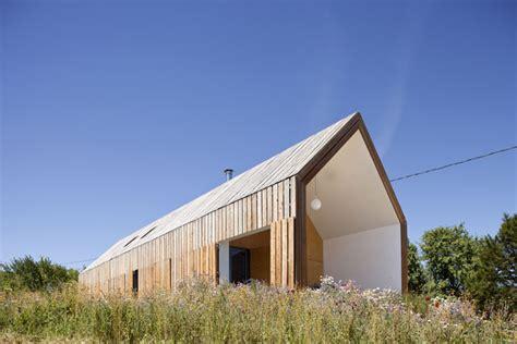 maison contemporaine en bois 224 nabirat 24 coco architecture