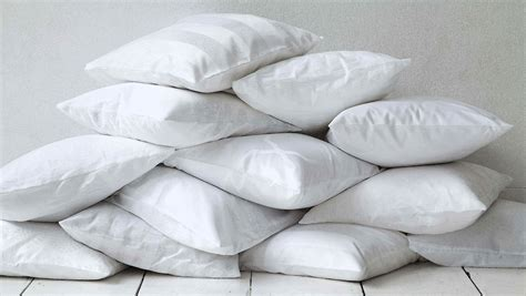 types of pillows what is the best pillow for neck loom and leaf