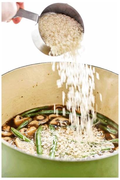Rice Chicken Pesto Pot Pan Projectmealplan Pouring