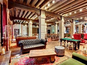 Chill Out Area : hip venice hostel aimed at baby boomers dream of italy ~ Markanthonyermac.com Haus und Dekorationen