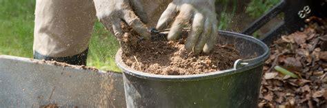 kompost selber machen humus selber machen auch ohne kompost garten diybook de