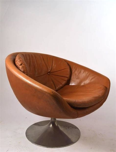 venice swivel pod chair overman pod chair in leather for sale at 1stdibs