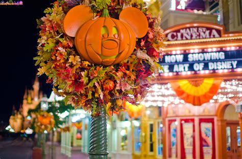 halloween decorations disney photo   day disney tourist blog