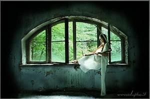 Viele Fliegen Am Fenster : tod am fenster foto bild mystik gothic szene mensch in mystischer umgebung bilder auf ~ Orissabook.com Haus und Dekorationen