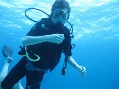 Scuba Dive Trips - isla scuba diving carey dive center mexico