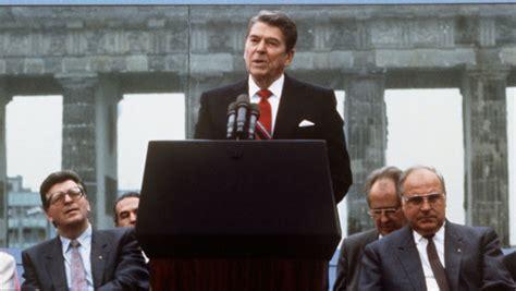 reagan demands fall  berlin wall history