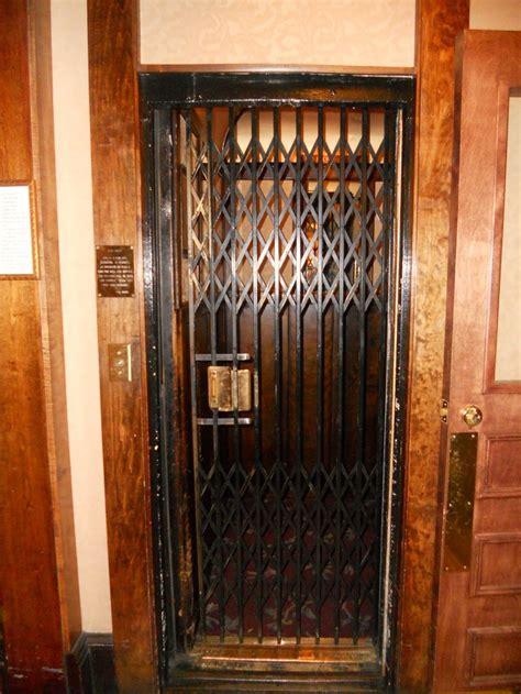 day  otis gate  otis elevator  installed