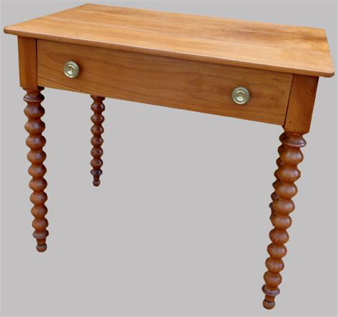 bureau à l ancienne table bureau ancienne en bois fruitier avec un grand