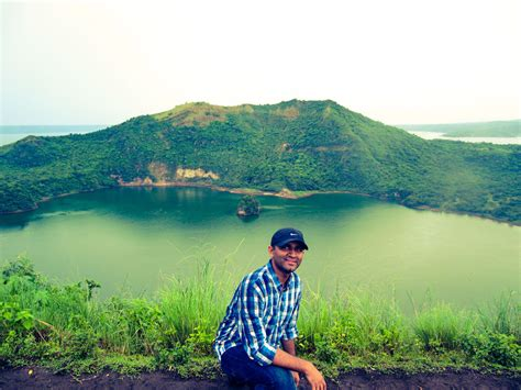 Hiking up the Taal Volcano in Luzon (Philippines) Tripoto