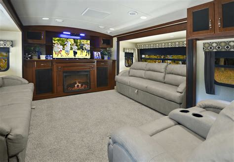 Fifth Wheel Campers With Front Living Rooms  Roy Home Design. Glass Living Room Table. How To Place Furniture In A Rectangular Living Room. Solid Oak Living Room Furniture Sets. Spanish Inspired Living Room. Chocolate Brown Living Room Furniture. Decorate Small Living Room With Fireplace. Living Room Couches For Sale. Baby Blue Living Room Decor