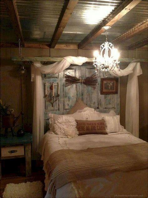 60 Rustic Farmhouse Style Master Bedroom Ideas 24