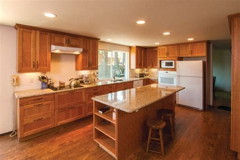 cuisine couleur aubergine cuisine couleur bois jeux de couleurs brun de cuisine