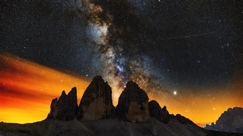 Milky Ways Setting Behind The Tre Cime Di Lavaredo 4k
