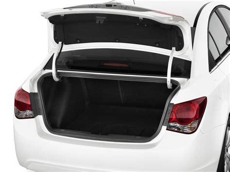 2015 Chevrolet Cruze 4-door Sedan Auto 1lt Trunk