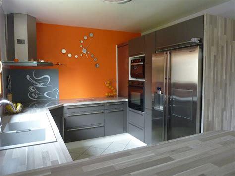 cuisine en orange pour ma famille salle de bain grise et prune