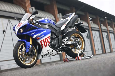 Yamaha R1 Fiat by R1 R 233 Plica Fiat Motogp Cars And Bikes