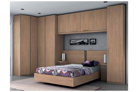 chambre lit pont but pin lit compact armoire gami on