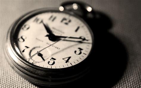 bleeding yankee blue  clock  ticking  timeless