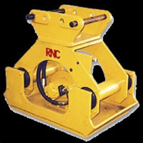 hunt tractor  heavy construction equipment attachments including excavator buckets