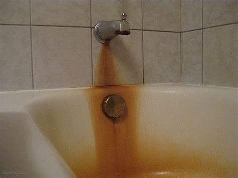 rust stains in a bathtub after using cotton and