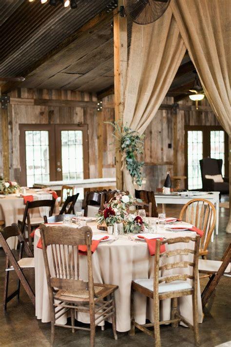 Elegant Texas Wedding with Beautiful Rustic Decor - MODwedding