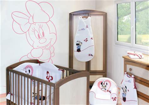 chambre bébé mickey décoration chambre bébé souris thème souris