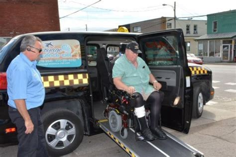 transport personne en fauteuil roulant 28 images transport de personnes en fauteuil roulant