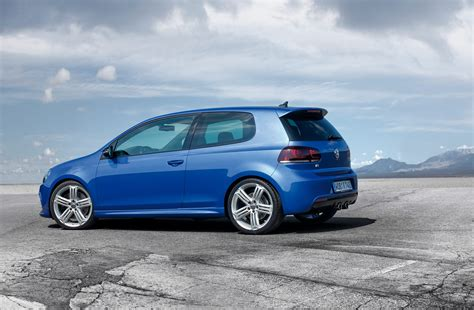 By continuing to use this website, you agree to our use of cookies. photo VOLKSWAGEN GOLF (VI) R 4motion 2.0 TSI 270ch berline ...