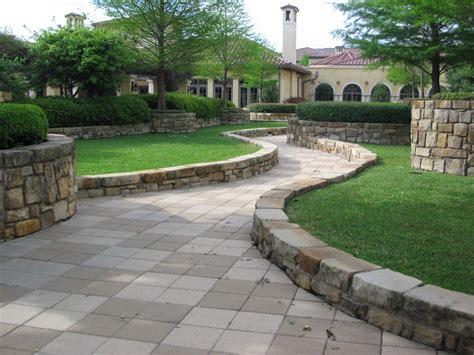Come pavimentare un giardino Donna Moderna