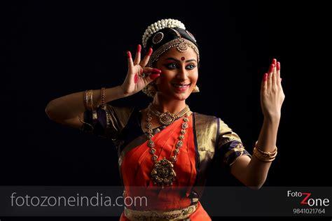 classical dance photographer poses mudras arangetram