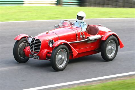 Classic Race Cars by Vintage Sports Car Club To Make Visit To Snetterton This